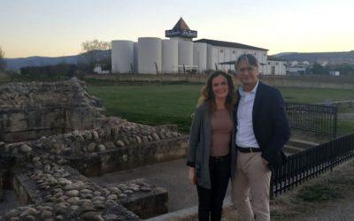 El experto en enoturismo Lluis Tolosa visita Bodegas Corral